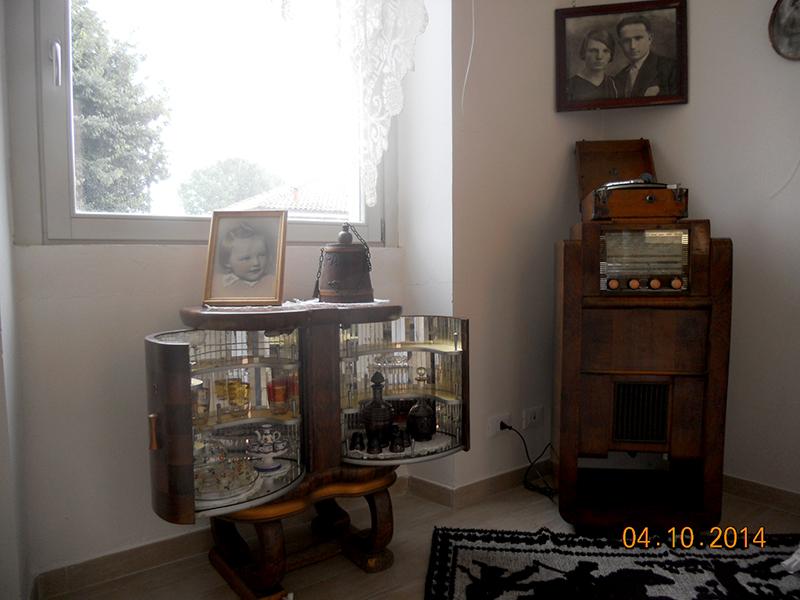 5-il-mobile-bar-il-fonografo-e-la-radio